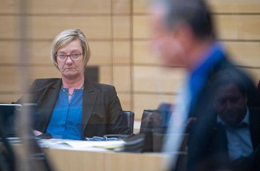 Landtag beschließt Nachtragshaushalt mit Neuverschuldung