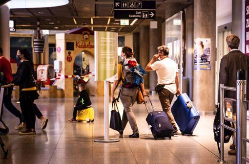 Am Flughafen wird noch das Frühlingsfest beworben