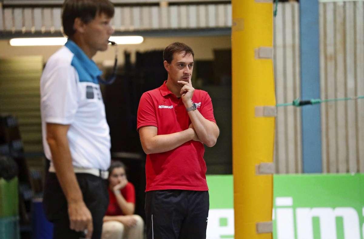 Bleibt er Fellbacher Trainer? Jan Lindenmair (rechts) überlegt noch. Foto: Patricia Sigerist