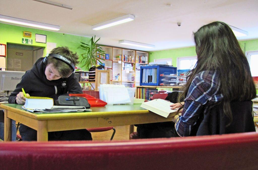 Die Freie Aktive Schule würde gerne dauerhaft an der Hohen Eiche bleiben. Doch  die Nutzung ist  nur bis 2018 gesichert. Foto: Judith Sägesser