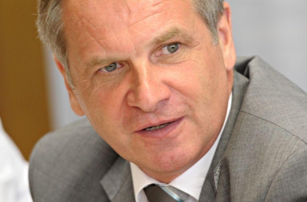 Innenminister Reinhold Gall muss die Ku-Klux-Klan-Affäre erklären. Foto: dpa