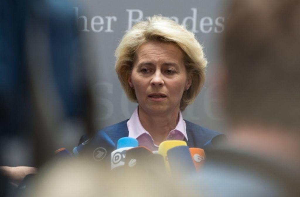 Nach den Worten von Ministerin Ursula von der Leyen hat das Sturmgewehr G36 in seiner derzeitigen Konstruktion keine Zukunft in der Bundeswehr. Foto: dpa