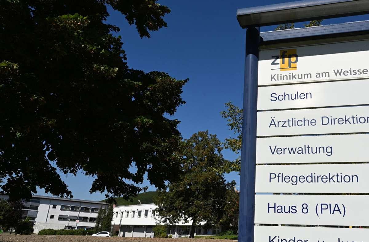 Aus dem Klinikum am Weissenhof in Weinsberg ist erneut ein Insasse geflüchtet. (Archivbild) Foto: dpa/Bernd Weißbrod