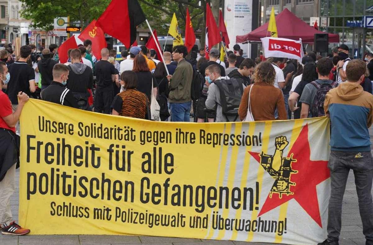 Kritik übten verschiedene Redner unter anderem an der medialen Darstellung von Zentrum Automobil als Gewerkschaft. Foto: Andreas Rosar