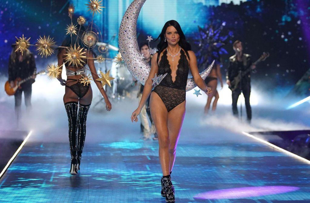 Ihr letzter Auftritt als Victoria's-Secret-Engel: Adriana Lima beendet ihre Karriere als Dessousmodel für das Unterwäsche-Label. Foto: AFP