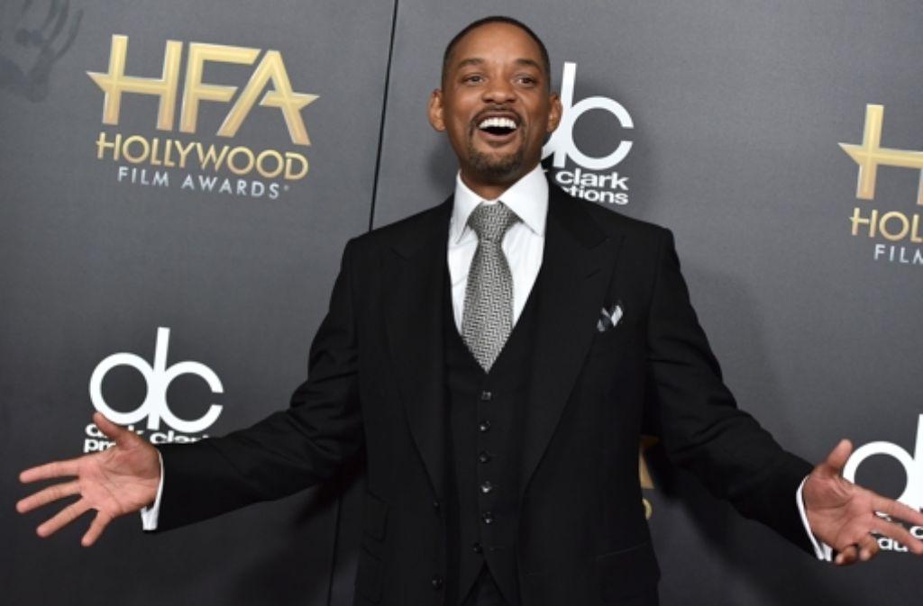 Am Sonntagabend wurde in Beverly Hills mit den Hollywood Film Awards die Trophäen-Saison eröffnet. Neben Gewinnern wie Will Smith (Bild) und Robert De Niro zeigten sich auch viele andere Stars auf dem roten Teppich – klicken Sie sich durch unsere Bildergalerie. Foto: Invision