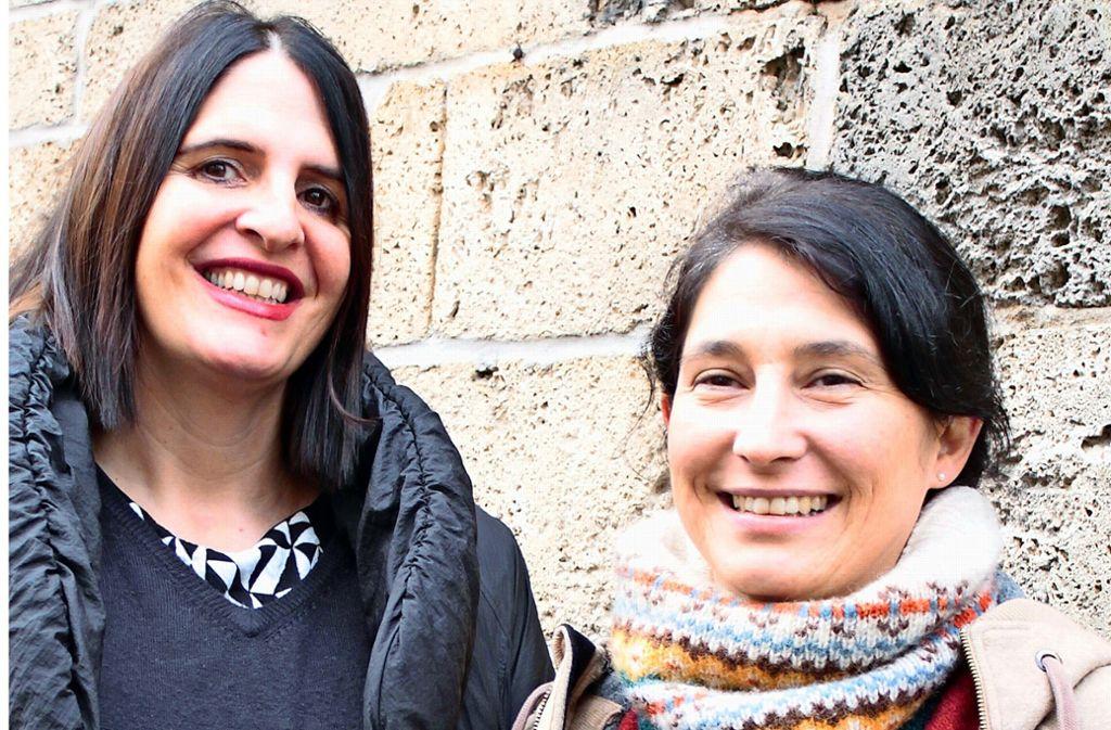 Pfarrerin Sabine Löw (links) und Kirchengemeinderätin Julia Keinarth-Uhland setzen sich mit den Konfirmanden fürs Klima ein. Foto: Leonie Rothacker, Oliver Röckle