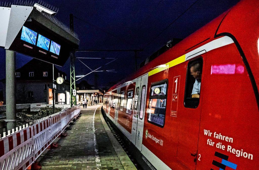 Dauerbaustelle Feuerbach: Wieder können dort keine S-Bahnfahrgäste längere Zeit nicht ein- und aussteigen Foto: Lichtgut/Max Kovalenko