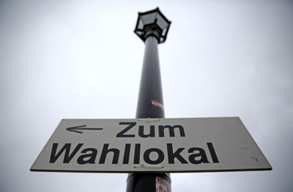 Mehr Menschen als im Jahr 2011 haben den Weg zu den Wahllokalen eingeschlagen. Foto: dpa