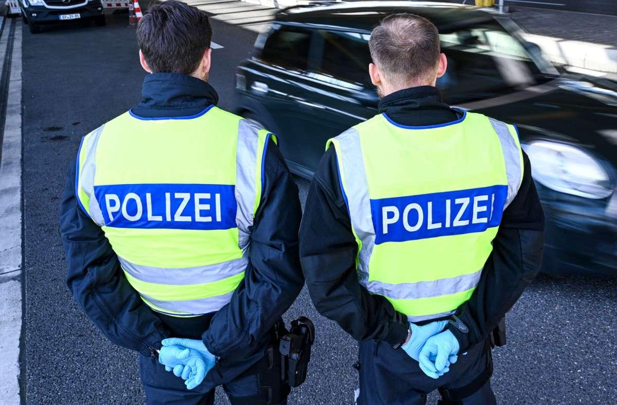 Der Zoll hat den Verkauf von minderwertigen FFP2-Masken in Baden-Württemberg verhindert. (Symbolbild) Foto: dpa/Felix Kästle
