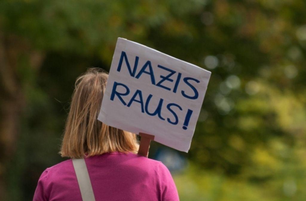Auch in  der gesellschaftlichen Mitte haben viele gegen die Neonaziaufmärsche demonstriert. Manche haben das Problem aber auch unterschätzt. Foto: dpa