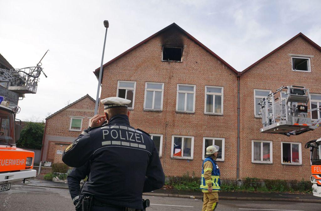 Im Dachgeschoss des Hauses ist der Brand ausgebrochen Foto: SDMG/ Woelfl