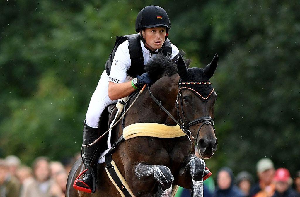 Der ungekrönte König der Vielseitigkeitsreiter: Michael Jung aus Horb (hier auf Rocana) Foto: AFP