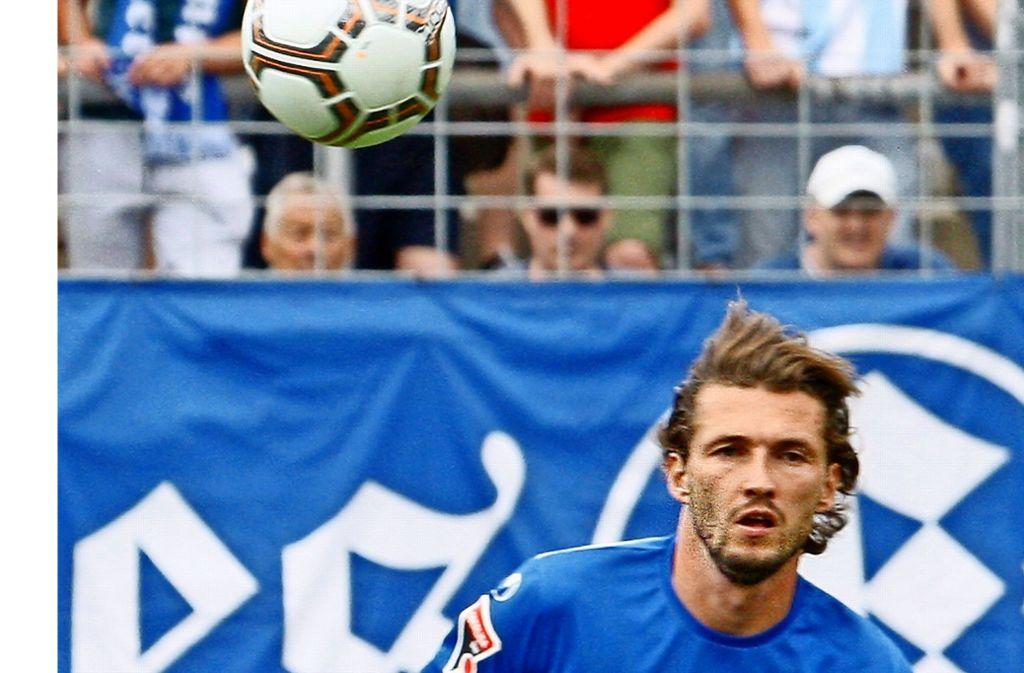 Verdacht bestätigt: Kickers-Stürmer Mijo Tunjic hat sich die Hand gebrochen. Foto: Baumann
