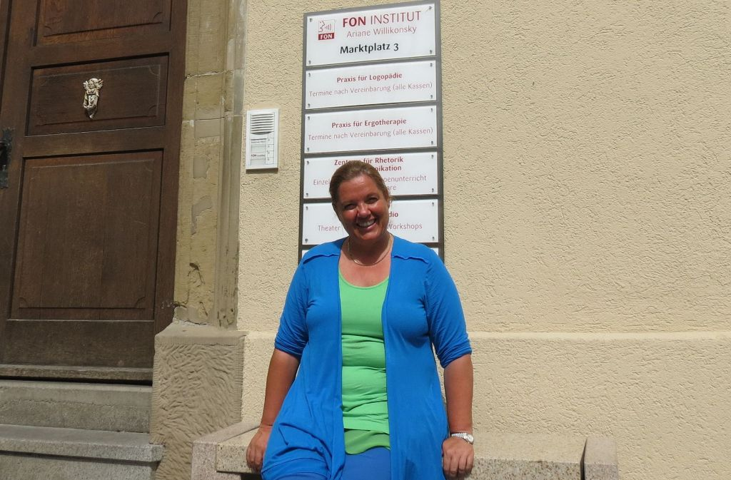 Ariane Willikonsky spricht am Donnerstag im Fon-Insitut. Foto: Julia Bayer