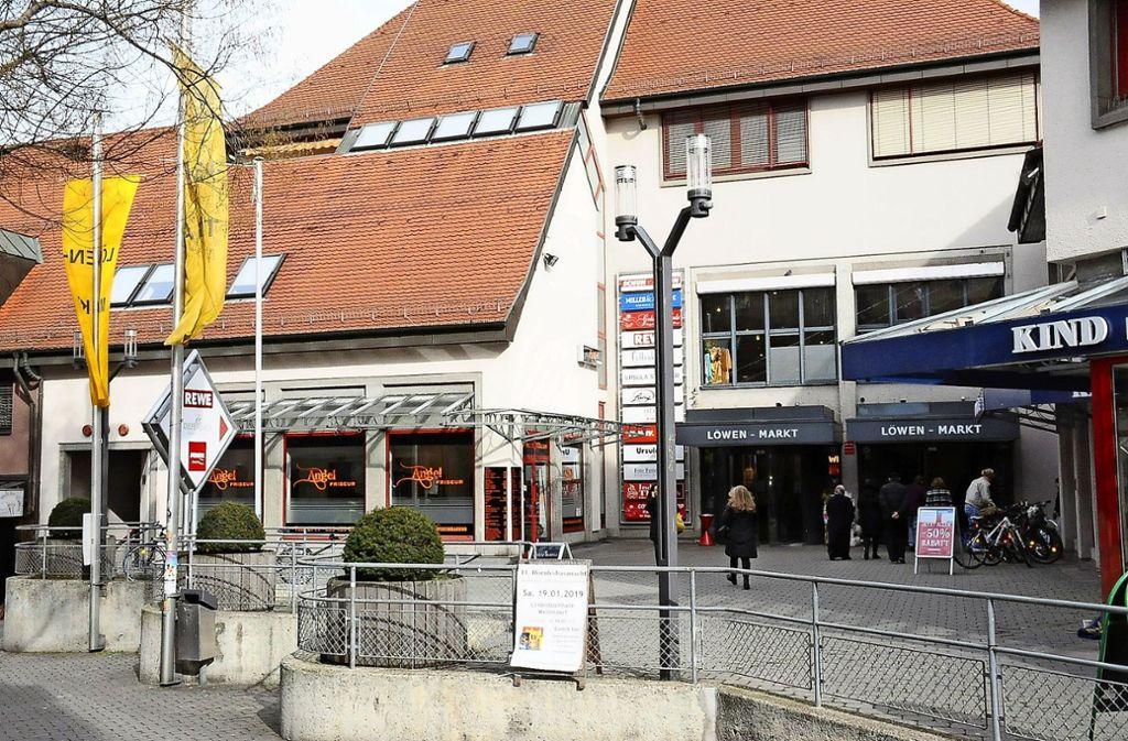 Das Einkaufszentrum Löwen-Markt ist aktuell im Fokus der Stadtplaner. Für dessen Entwicklung steht rund eine halbe Million Euro bereit. Foto: Georg Linsenmann