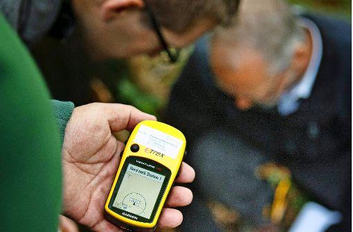 Geocacher suchen mit GPS-Unterstützung nach  Geheimverstecken. Foto: Archiv (Stoppel)