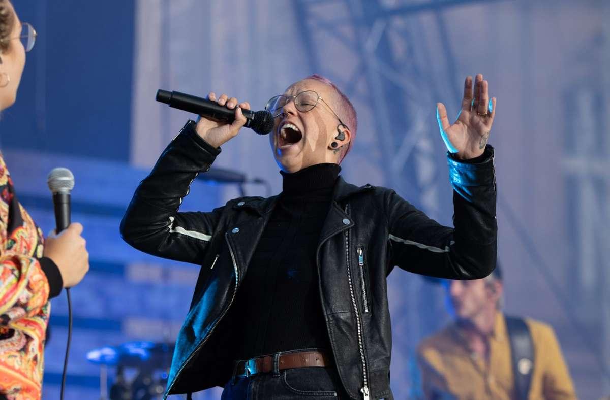 Tanzen und schreien befreit, lautet das Motto der Sängerin. Foto: SWR/Markus Palmer