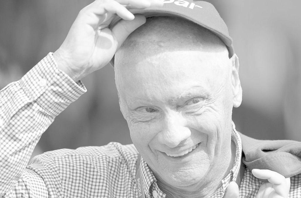 Niki Lauda (†): Der Mann mit der Kappe lächelt nicht mehr Foto: dpa