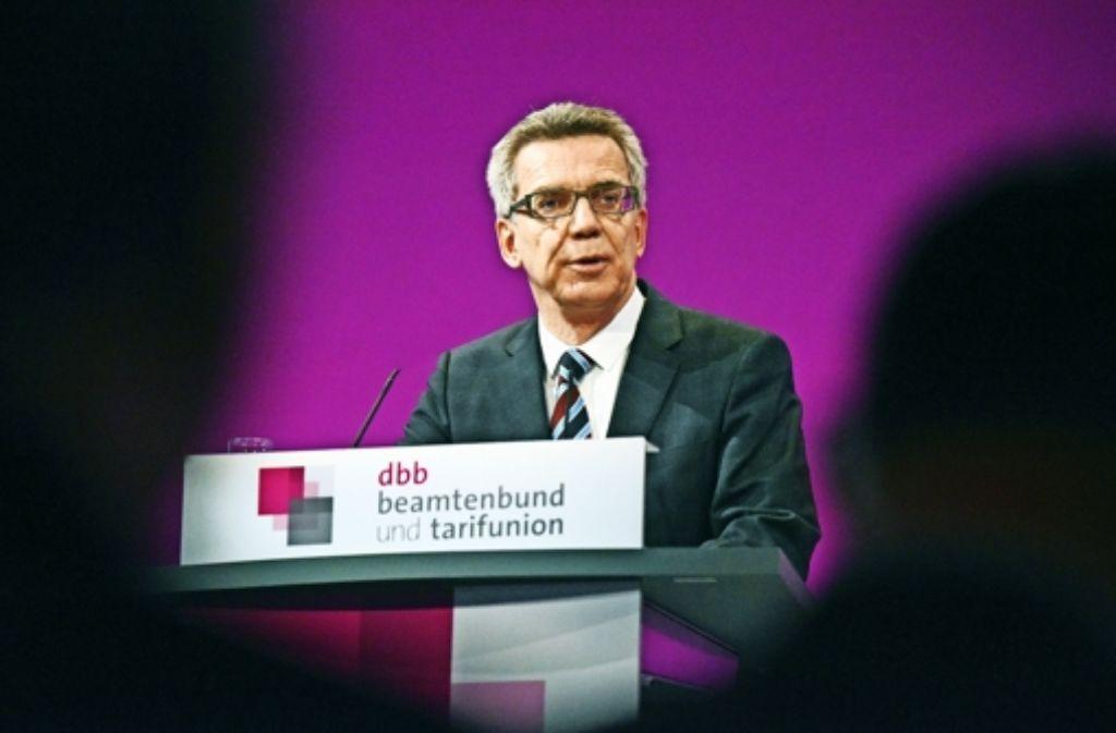 Innenminister Thomas de Maizière fordert in Köln  pragmatische Lösungen. Foto: dpa