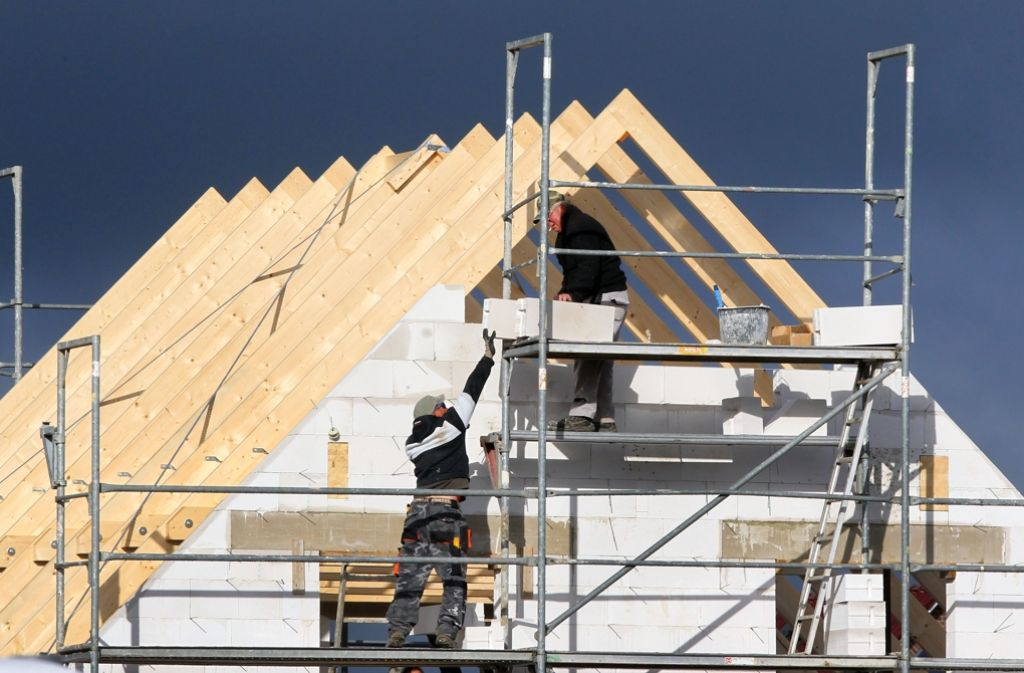 Die Bundesregierung will die Vergabe von Immobilienkrediten strenger regeln – und sich so gegen eine Immobilienblase wappnen. Foto: dpa