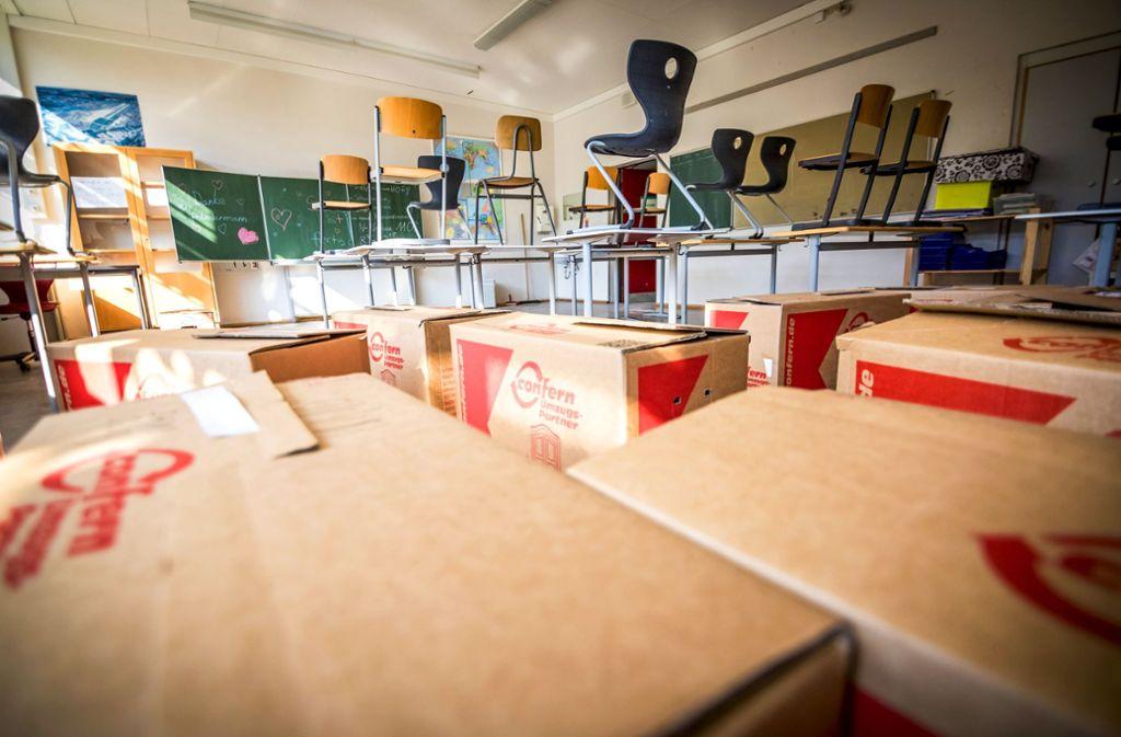 Hier ist zurzeit kein Platz für Schüler. In den Kisten lagert Unterrichtsmaterial. Foto: Lichtgut/Julian Rettig