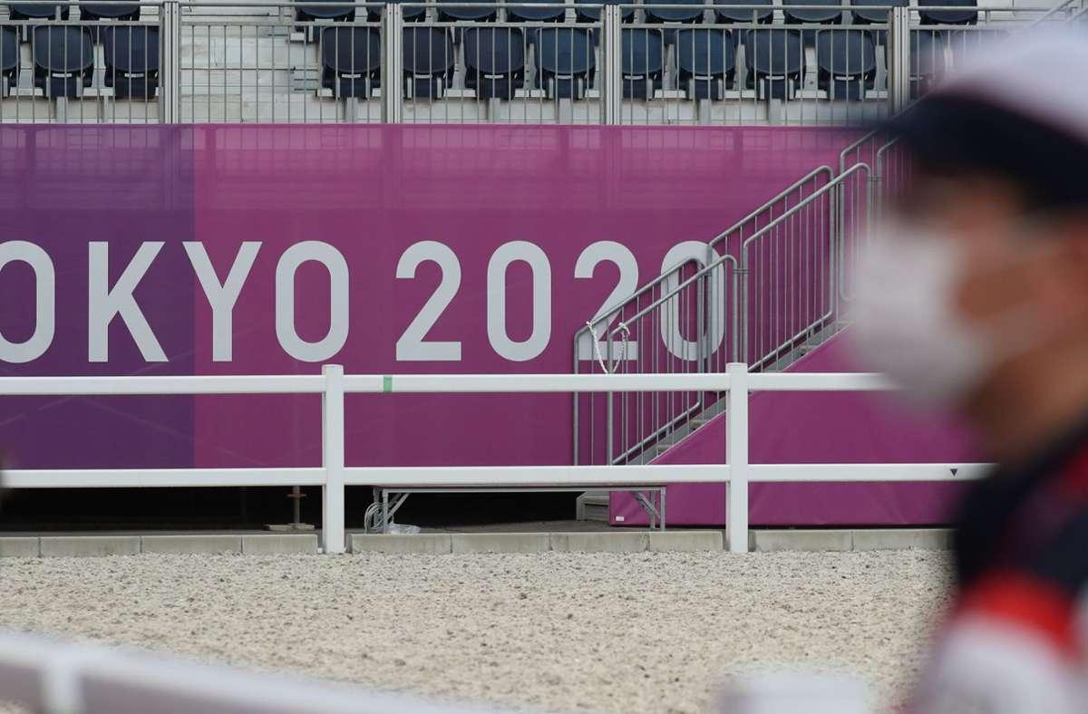 Insgesamt vermeldeten die Macher der Sommerspiele am Sonntag zehn Neuinfektionen im Umfeld der Sommerspiele. Foto: dpa/Friso Gentsch