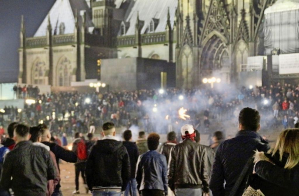 Frauen sind nicht erst in der Silvesternacht  – wie hier  in Köln – Opfer sexualisierter Gewalt geworden. Aber vielen trauen sich erst jetzt, die Übergriffe  öffentlich zu machen. Foto: dpa