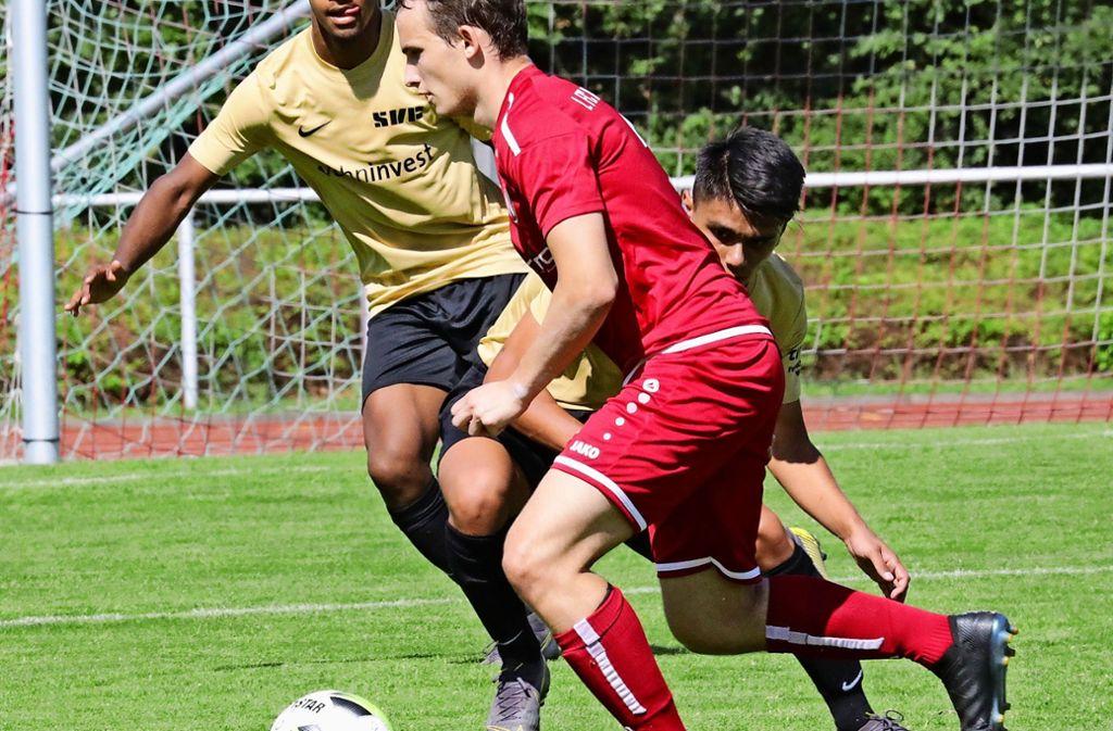 Fabian Kolb (vorn, gegen den SVF) spielt bald für den TV Oeffingen. Foto: Patricia Sigerist