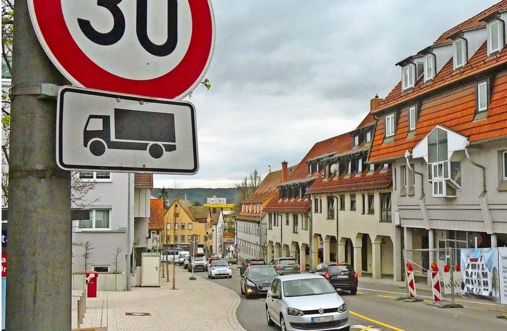 Noch immer ist die Grabenstraße stark befahren, die Situation hat sich aber gebessert. Foto: LKZ
