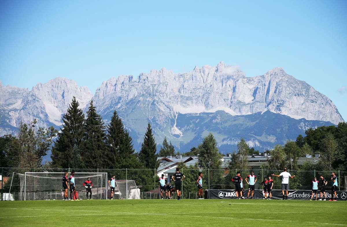Die letzten beiden Sommer war der der VfB unter dem Wilden Kaiser in Kitzbühel im Trainingslager. Dieses Jahr könnte es erneut nach Österreich gehen. Foto: Pressefoto Baumann