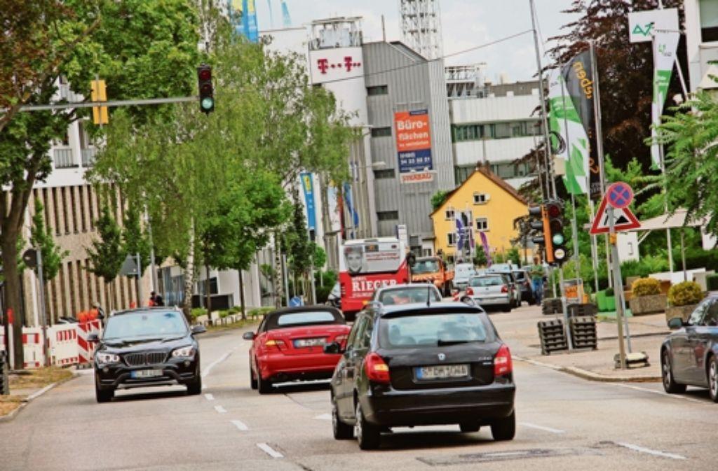Die Maybachstraße ist jetzt schon  mit täglich rund 18000 Fahrzeugen stark belastet. Foto: Georg Friedel
