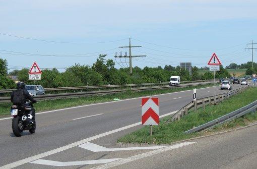Löcher in der Fahrbahn ärgern Zweiradfahrer