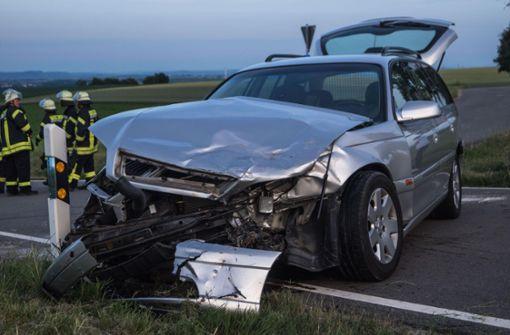 Opel-Fahrerin übersieht BMW – zwei Verletzte