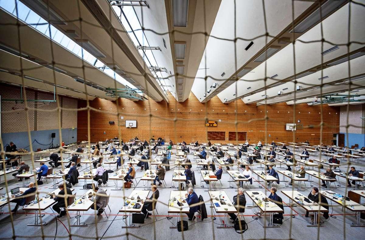 Der Landrat hat den  Kreisräten am Montag in der Justinus-Kerner-Halle seinen Etatplan vorgestellt. Foto: Gottfried Stoppel