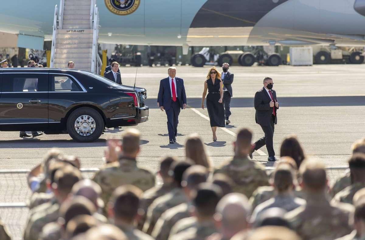 Donald Trump wird bei seinen Terminen immer vom Secret Service begleitet. Foto: imago images/The Photo Access/John Williams via www.imago-images.de
