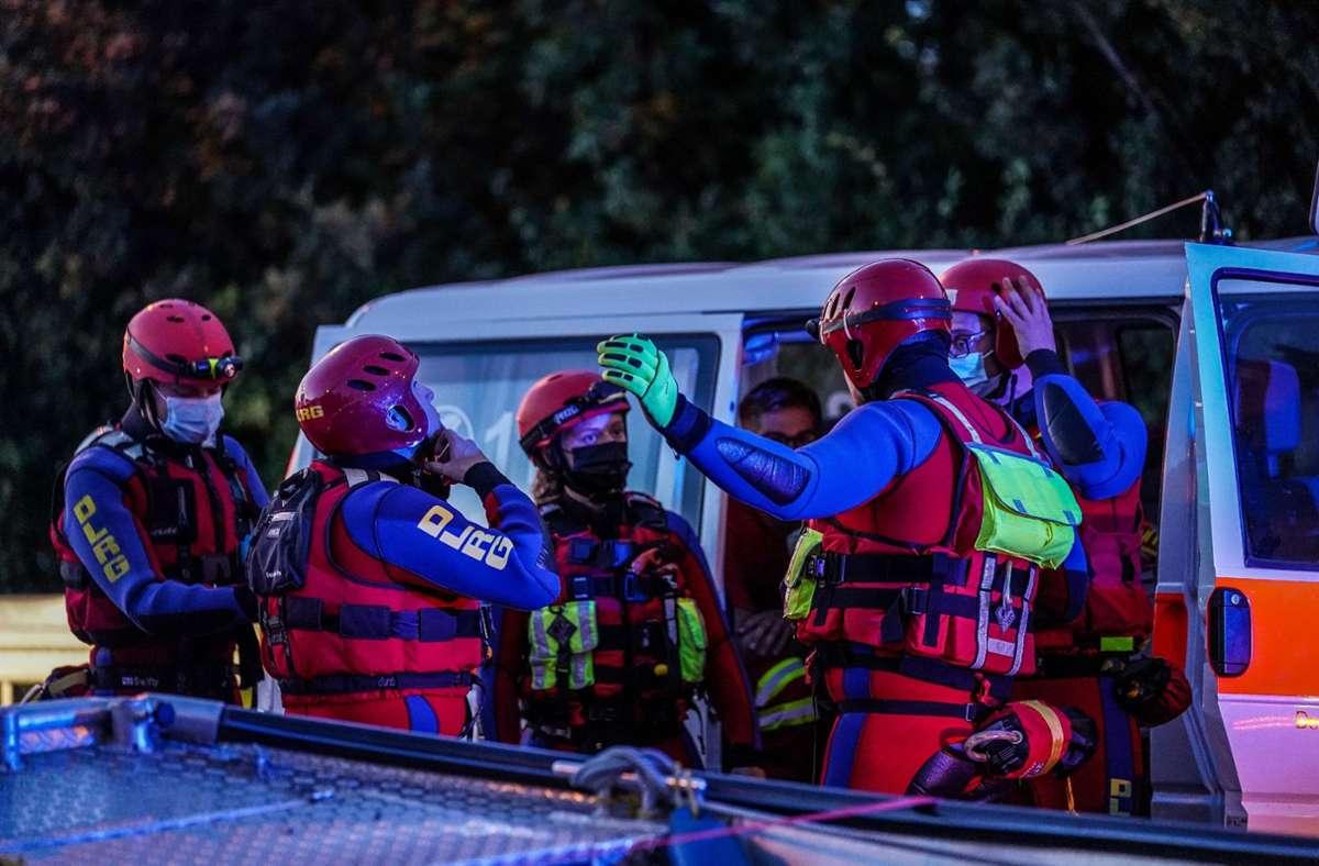 Mit Booten und Tauchern suchten die Einsatzkräfte nach der vermissten Person. Foto: SDMG/Kohls
