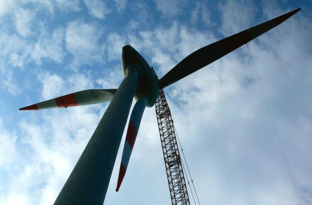 Bis die Rotoren der Windräder am Goldboden montiert werden, wird es vermutlich Oktober werden. Die Betonteile der Türme werden aber ab kommender Woche angeliefert. Foto: AP