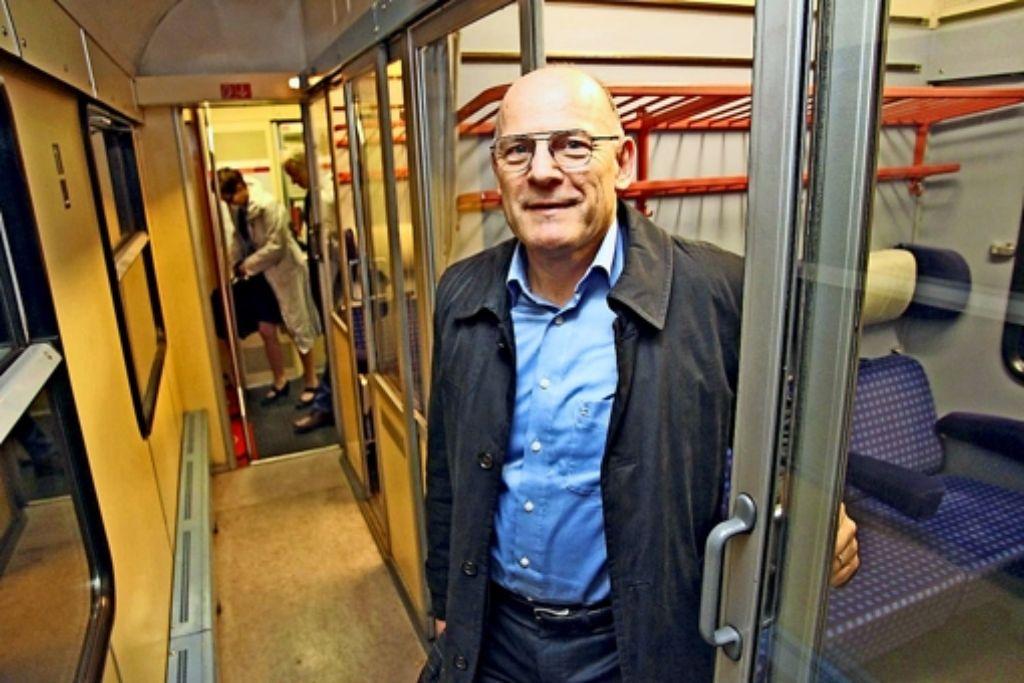 In den alten Waggons mit  Abteilen möchte Minister Winfried Hermann  nicht mehr lange fahren –   die von ihm forcierten Verträge sehen moderne  Züge vor. Foto:
