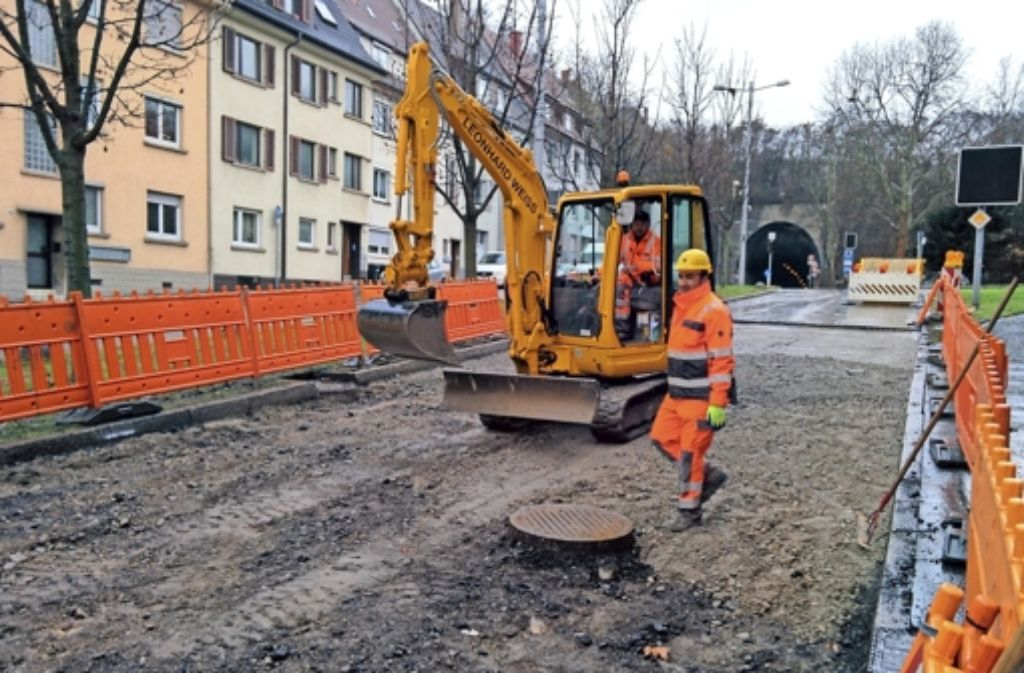 Die Wagenburgstraße wird noch einige Tage Baustelle bleiben. Foto: Jürgen Brand