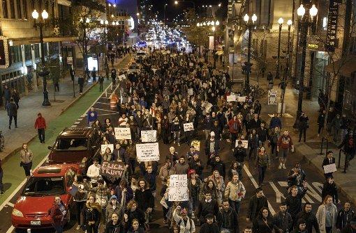 Tausende gehen gegen Trump auf die Straße