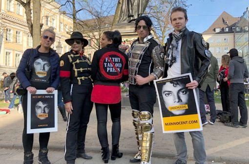 Fans demonstrieren vor ProSieben-Sitz gegen Jackson-Doku
