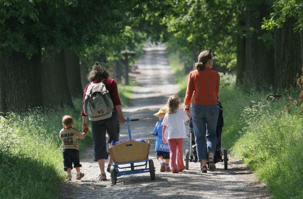 Alleinerziehende Elternteile sind auf den Unterhaltsvorschuss angewiesen, doch der Staat kann sich das Geld nur zum Teil wieder beschaffen. Foto: dpa