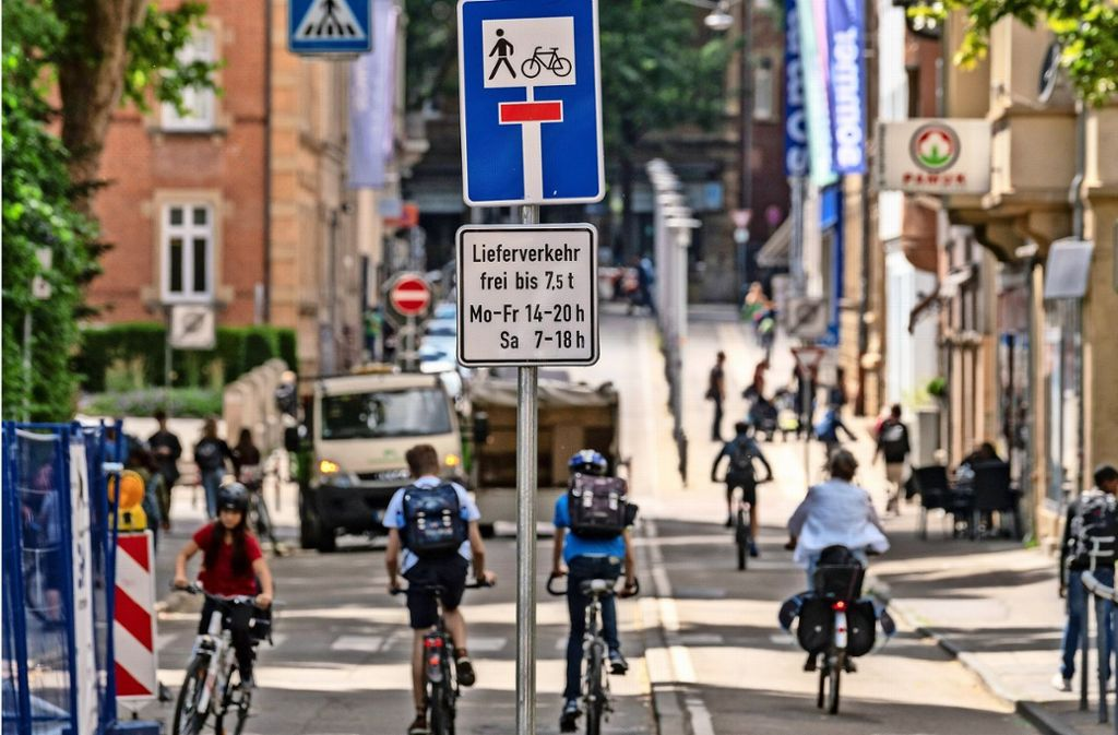 Die Alleenstraße beim Schulcampus in der Ludwigsburger Innenstadt bleibt autofrei, das hat der Gemeinderat mit nur einer Stimme Mehrheit entschieden. Foto: factum/Weise
