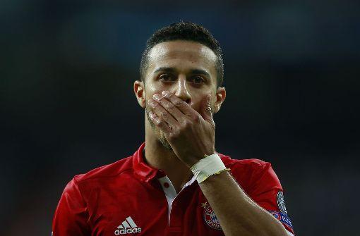 Au backe! Bayern Münchens Thiago kann das Ausscheiden nicht fassen. Foto: Getty