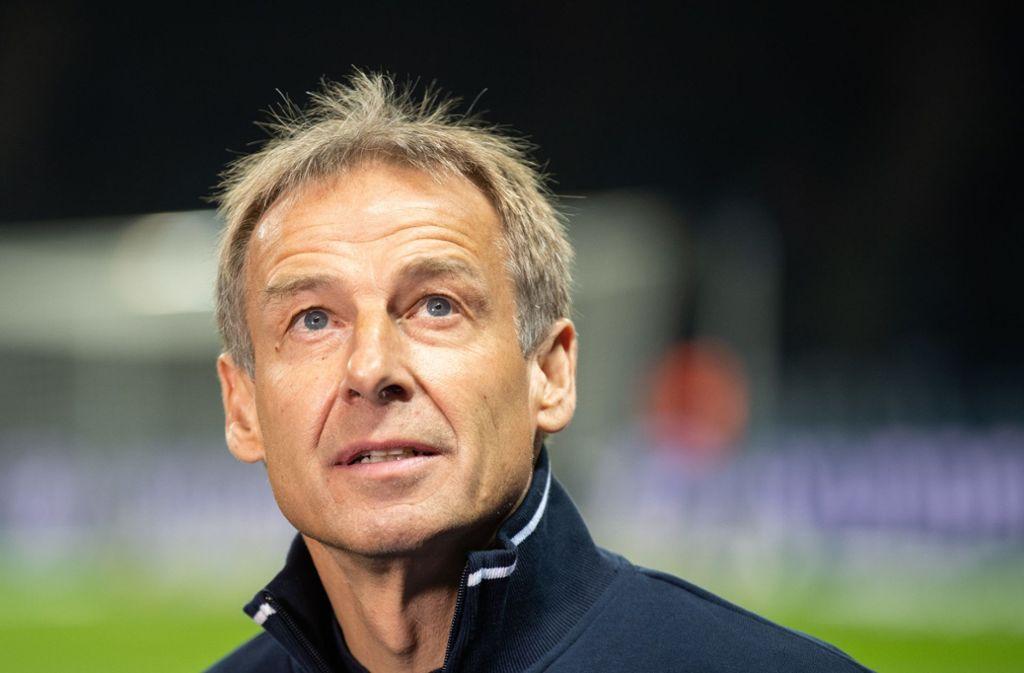 Jürgen Klinsmann kritisiert die sportliche Führung von Hertha BSC Berlin nach seinem Rücktritt schwer. Foto: dpa/Soeren Stache