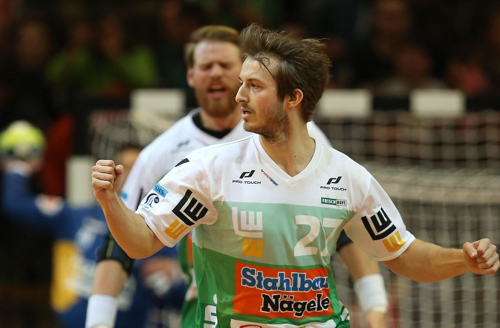 Kann gegen Melsungen doch noch nicht wieder am Ball sein: Frisch-Auf-Rechtsaußen Marco Rentschler. Foto: Baumann