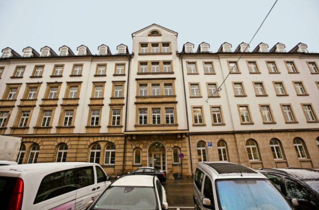 Das ehemalige Hotel in der Stadtmitte ist früher der Sitz der württembergischen Gestapo gewesen. An einer Zellentür haben sich verzweifelte Häftlinge verewigt. Foto: Lichtgut/Leif Piechowski