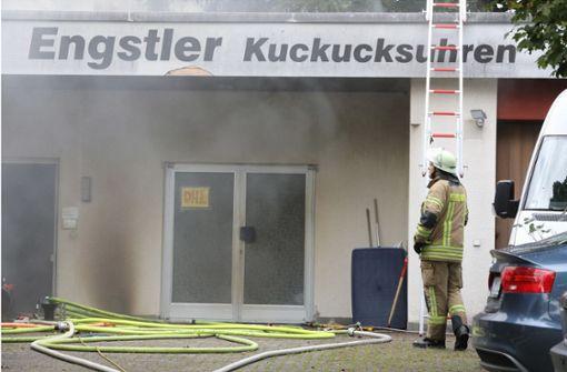 Brand in Kuckucksuhrenfabrik – Zwei Verletzte