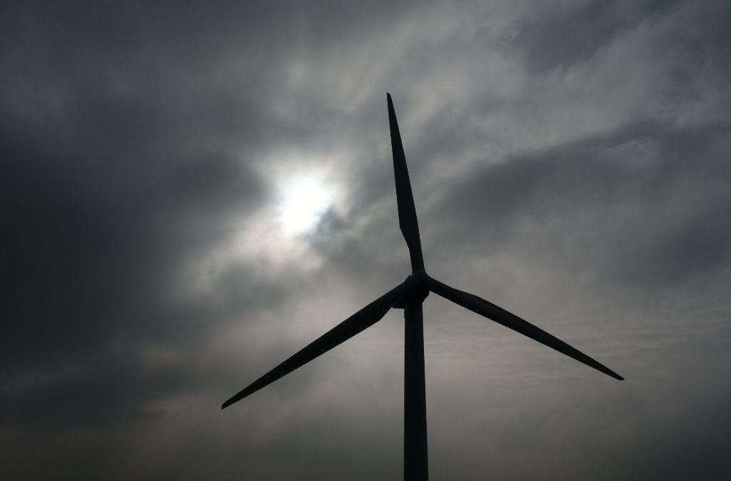 Drei Windräder sollen auf dem Goldboden bei Winterbach errichtet werden. Doch noch fehlt die vollständige Baufreigabe. Foto: dpa